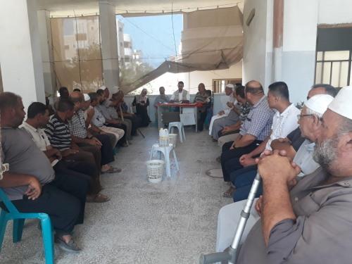 العمل الزراعي بغزة يعقد اجتماعا موسعا لمزارعي العنب في منطقة الشيخ عجلين