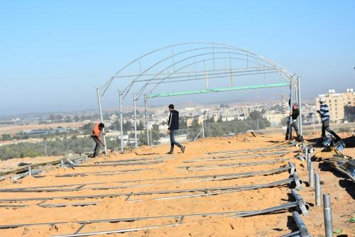 العمل الزراعي يبدأ في انشاء مشتل زراعي في منتزه الآمال الخضراء شمال غزة