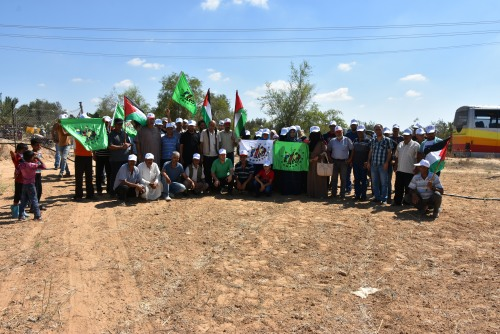 UAWC and Palestinian Peasants' Movement implemented a solidarity visit to farmers in eastern of Khanyounis.