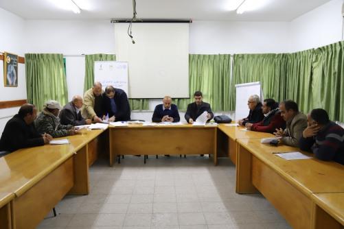 العمل الزراعي يعقد لقاءا مع المرشحين للاستفادة من منح الاستثمار الزراعي
