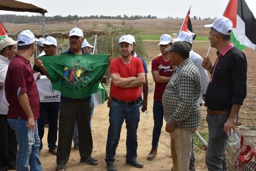 العمل الزراعي ينفذ جولة تضامنية مع المزارعين في المناطق الحدودية الشرقية