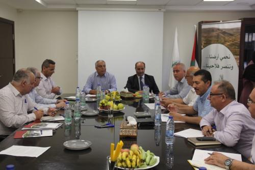 وزير الزراعة وممثلو الائتلاف الأهلي الزراعي يبحثون تعزيز التعاون المشترك